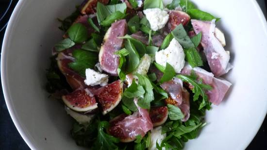Jamie`s easiest sexiest salad in the world