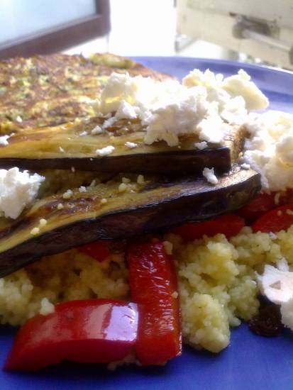 Couscous met courgette frittata