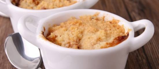 Apple crumble (of apple & pear crumble)
